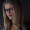 felicity_smoak: small smile (small smile)