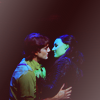 queelez: Elphaba and Fiyero kissing (too fiercely)