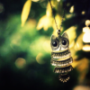 ilaysio: (hanging, stock: hanging)