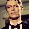 ushahin: (Sharp-dressed (half) man)