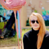 barre_none: (sunnies w/balloon)