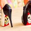 violaine: (Art: Skully shoes)