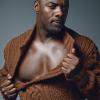 pensnest: Idris Elba opening his shirt (Idris Elba's chest)