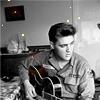 kaosah: (Elvis guitar)