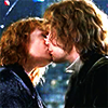 romanticamnesiac: (kiss)