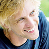 rebelseekspizza: (dante pb: white hair wide grin)