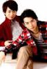 learashi: (Sakumoto lap)