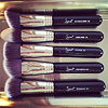 singularmoment: (makeup brushes)