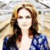hughville: (Jen blue dress)