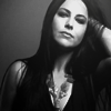 beautifulsuffering: (Amy Lee [Lost in paradise])