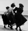mandie_rw: 3 victorian ladies at the shore (seaside)