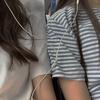 cocos: 2 girls sharing earphones (Girls)