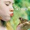 alisanne: (kisses)