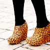 jesse_the_k: (shoes - leopard print clogs)