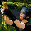 spindizzy: Noctis holding a frog. (Frog!)