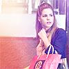 dragonydreams: (Arrow: Felicity - Shopping)