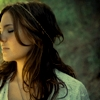 like_a_raven: (the girl)