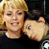 thena: (SG-1 - Sam/Vala hugs)