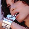 ariyanaforever: (Angelina: chain bracelet)
