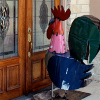 kayjayuu: A giant metal chicken stands at the front door (chicken)