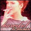 anatsuno: (Hannah smokes ya)