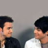 jlh: Kris Allen and Adam Lambert giggling (duos: Kris and Adam)