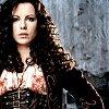 ostro_goth: (z Female -- regal)