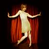 ciaan: (elegant dance)
