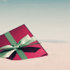 outstretched: (SEASON ♥ [gift] Christmas wrapping)