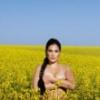 ledilid: (жін - дівка топлес у синьо-жовтому полі)