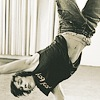 the_sexy_quinn: (handstand)