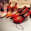 leenielou: (shoes) (Default)
