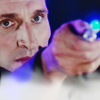 evilawyer: Nine aiming sonic screwdriver (Doctors: Nine Dead Certain)