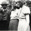 seidskratti: family in gasmasks (Family)