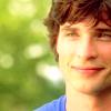 svgurl: (smallville: clark blue happy)