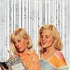 vainglory: Jessica peeking over Amy's shoulder (SVH: Slumbook (Jess and Amy))