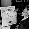 trotsky: Trotsky reading a newspaper (paper)