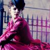 missthewoman: (femme au robe fuschia)
