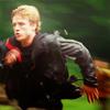 doismelllikeroses: (Running)