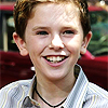liam_beckett: (has a happee - smiling)