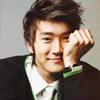 highways: [Super Junior's Siwon, chin in his hand.] (SUPER JUNIOR ☌ 從頭到尾)