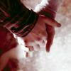 ginnymweasley: (hand hold)