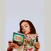 tablesaw: Dania Ramirez reads an issue of X-Men (Comics)