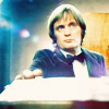 rydra_wong: Steel is attacked by eerie lighting (sapphire and steel -- tabletop)
