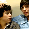 charly2004: (1D Larry hand in curls)