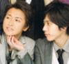 aimyoh_chan: Nino scratching Ohno's chin. Lovely (love, ohmiya)