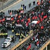 frandroid: Picture of a pro-LTTE protest blocking the Gardiner Expressway, Toronto (tamils)