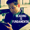 wendelah1: Fox Mulder reading (reading is fundamental)