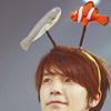 catskilt: (donghae with eunhae headband)