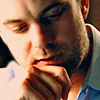 randomling: Peter Bishop (Fringe) ponders something. (pondering)